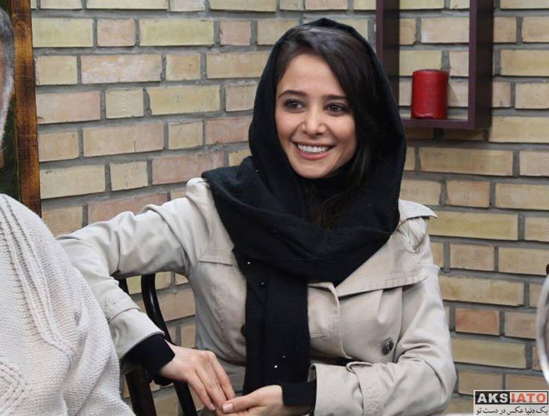 الناز حبیبی در دفتر خبرگزاری خبرانلاین (۴ عکس) - عکسیاتو