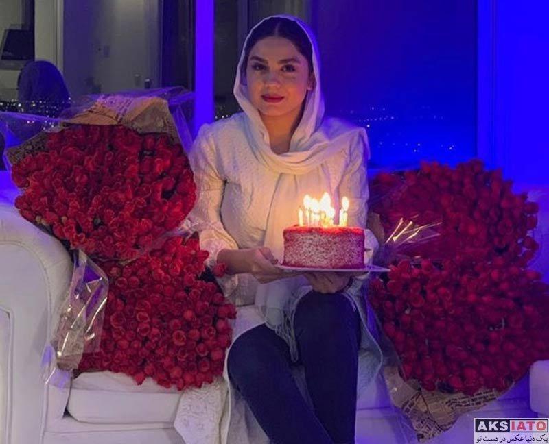 بازیگران بازیگران زن ایرانی جشن تولد ها  عکس های جشن تولد 30 سالگی آزاده زارعی در کنار دوستانش