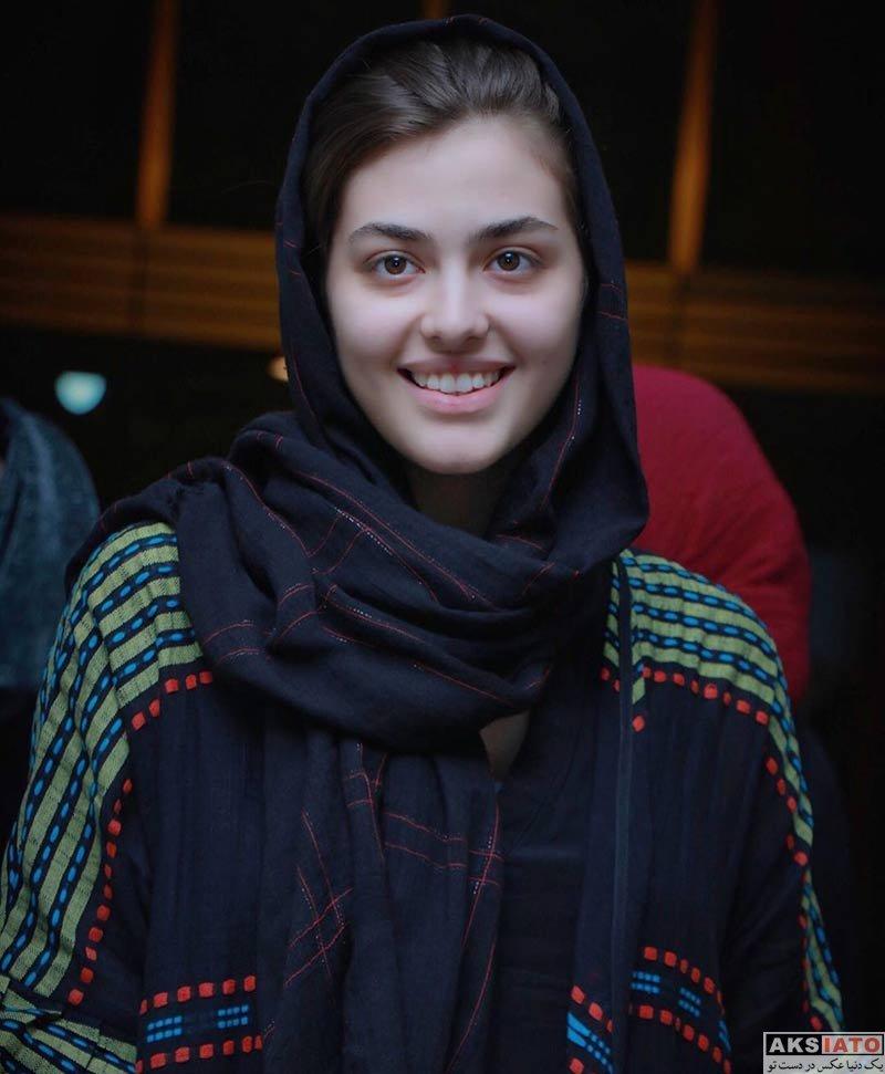 بازیگران بازیگران زن ایرانی  ریحانه پارسا در کنسرت نیما رئیسی (۳ عکس)