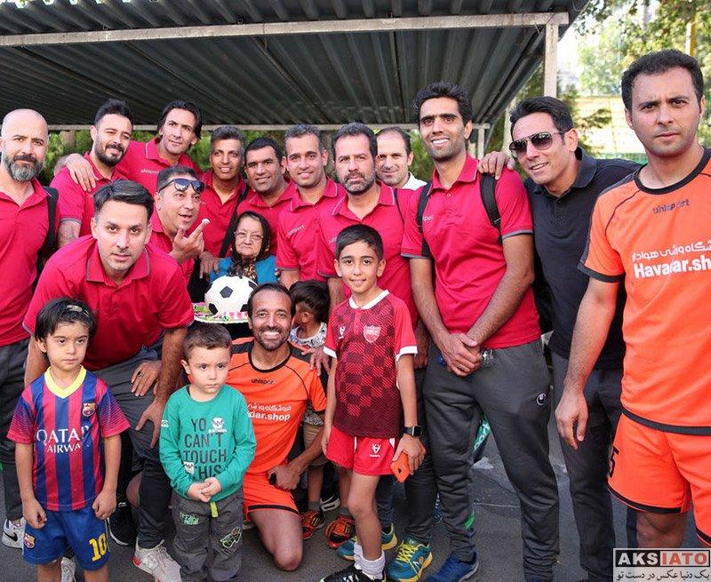 بازیگران جشن تولد ها مجریان  جشن تولد 45 سالگی عادل فردوسی پور در کنار هوادارانش (6 عکس)