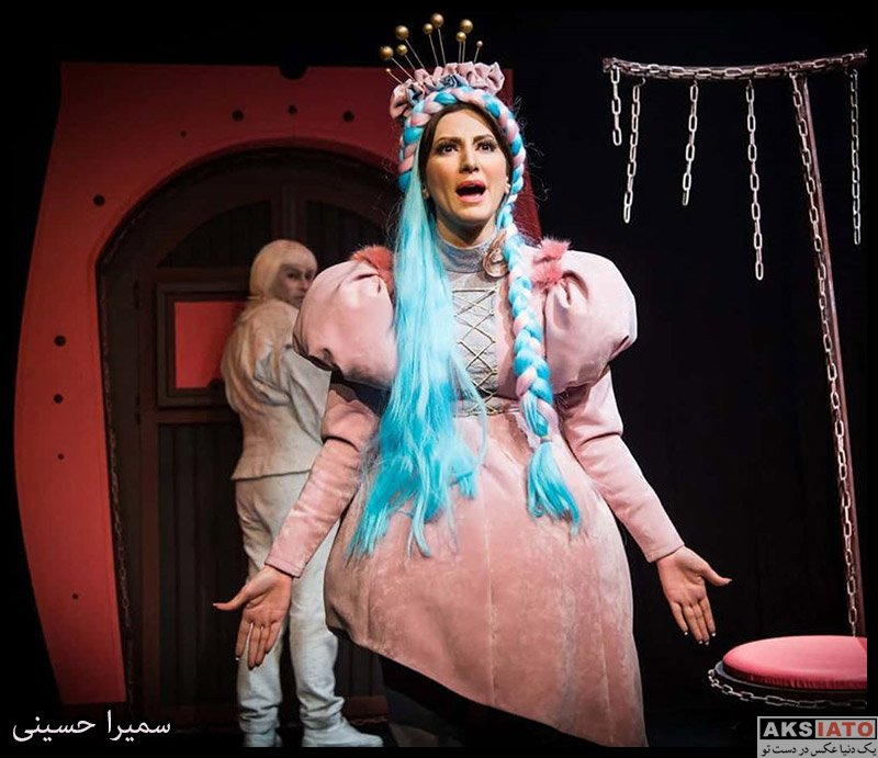 بازیگران بازیگران زن ایرانی  سمیرا حسینی در نمایش درکولای سفید (4 عکس)
