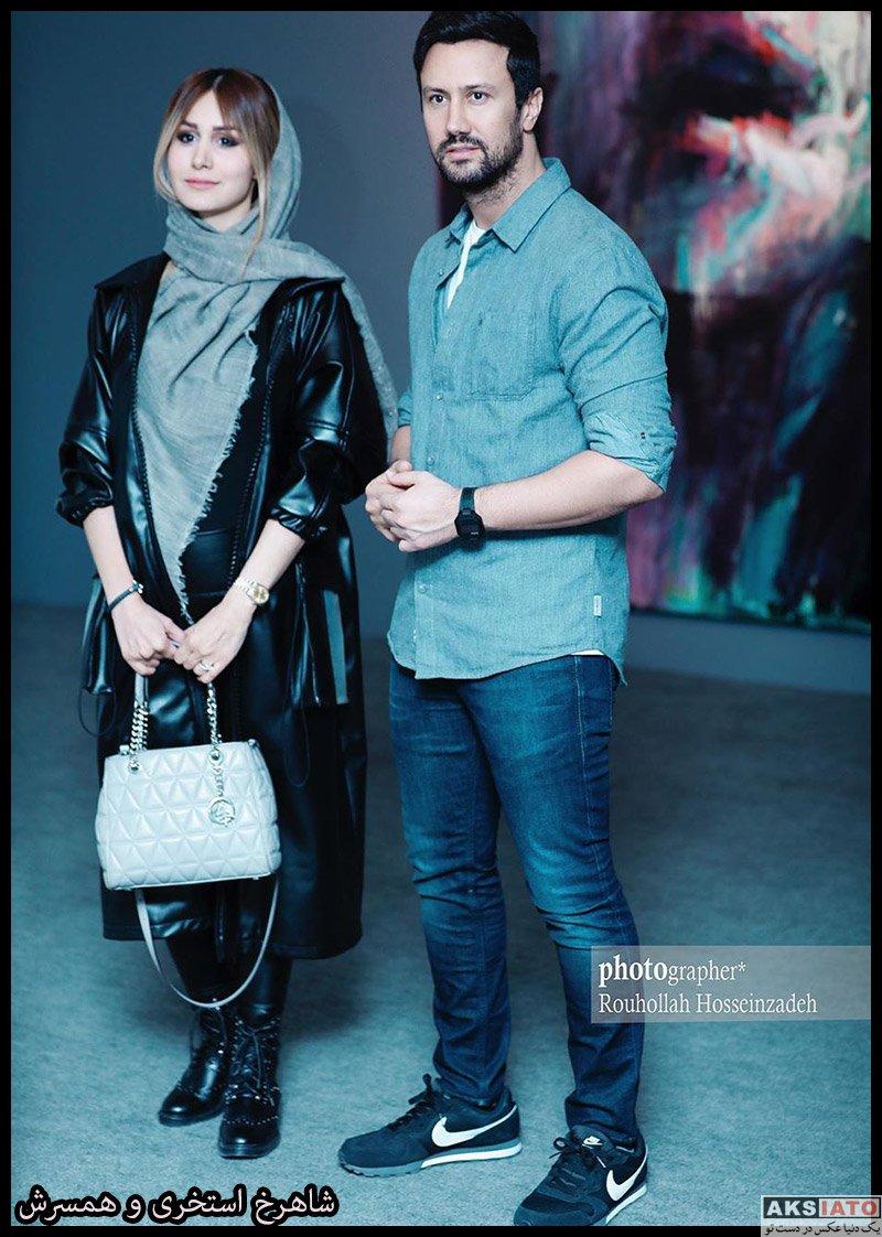 خانوادگی  شاهرخ استخری و همسرش در نمایش محمود محکمی (4 عکس)