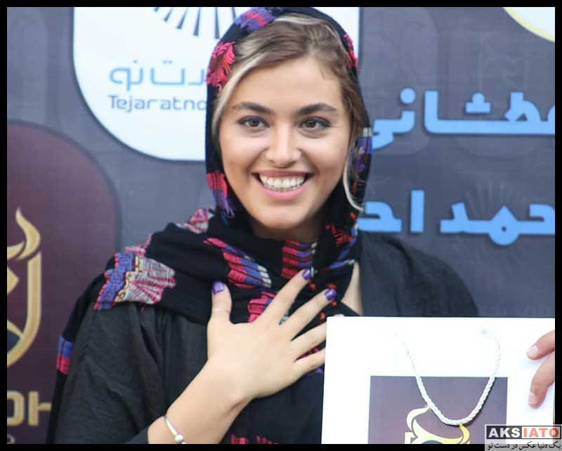بازیگران بازیگران زن ایرانی  ریحانه پارسا در جشم پایان فیلمبرداری فیلم کوسه (4 عکس)