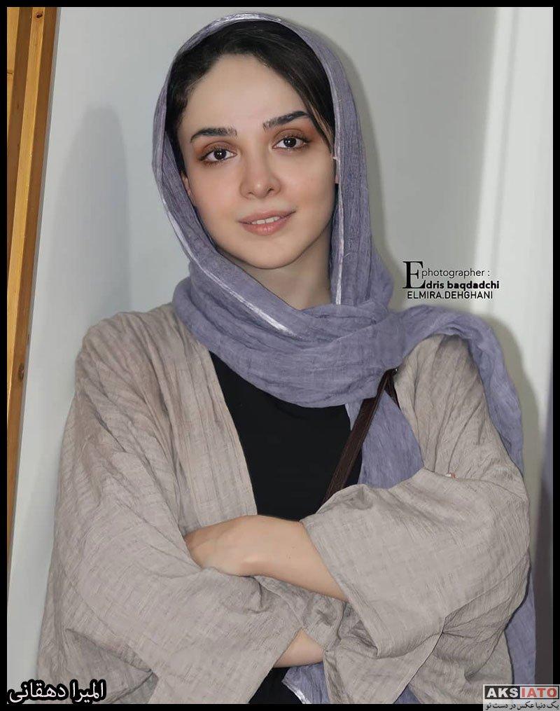 بازیگران بازیگران زن ایرانی  المیرا دهقانی در پشت صحنه نمایش جدیدش در تیر 1400 (4 عکس)